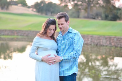 How to Dress Up For Maternity Photography? Rules and tips